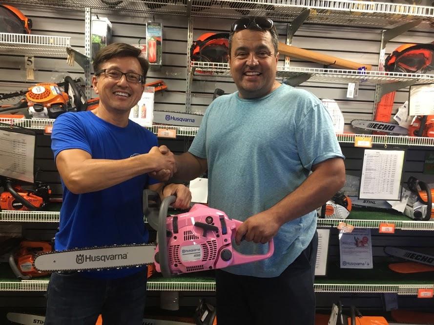 Eduardo Rocha wins Husqvarna Chainsaw